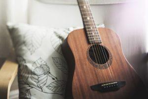 Dětské básničky: Hloupý Honza a kytara (z rubrik Vtipné básničky, Zhudebněné básničky)