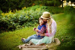 Dětské básničky: Maminko, máš oči hnědé (z rubrik Básničky pro maminku, Zhudebněné básničky)